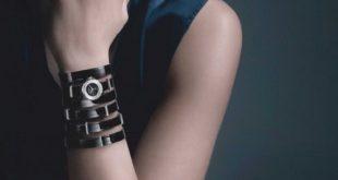 Đồng hồ nữ cũng là một phụ kiện rất được chị em phụ nữ yêu thích và sử dụng rất nhiều. Hãy cùng chúng tôi tham khảo một số mẫu đồng hồ nữ cao cấp dưới đây.