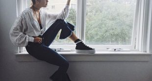 Bí quyết diện đồ đẹp hơn với quần jeans lửng ống loe chuông