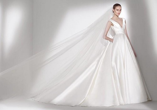 Một số mẫu váy cưới đẹp được phái đẹp yêu thích nhất năm