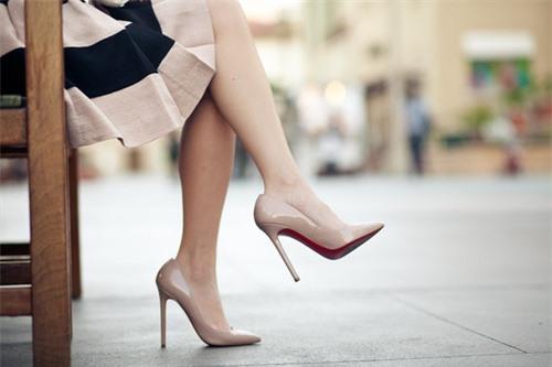 Những mẫu giày dép nổi bật nhất cho mùa hè năm 2017 này